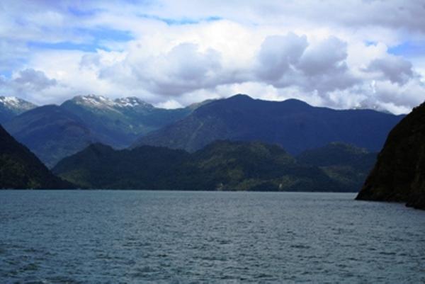 fjord20comau20hornopiren.JPG