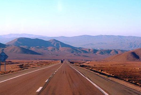 route-dans-le-desert-d-atacama.jpg