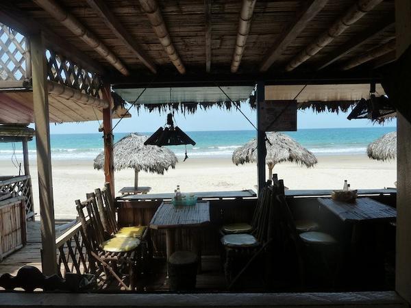 puerto-lopez-bar.jpg