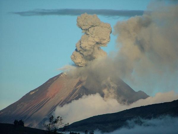 tungurahua-eruptionc10ace4fda9e7fa2e728a704b1768888.jpg