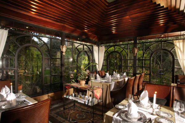 mansion-alcazar-restaurant-01.jpg