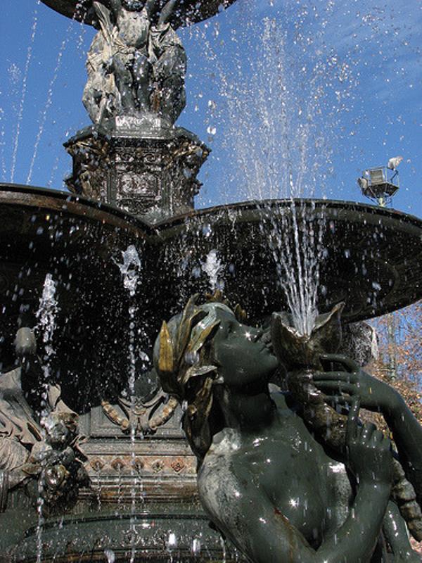 Mendoza, statue parc Gl San Martin.jpg