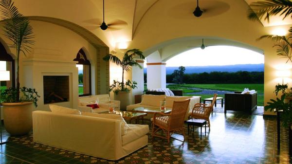 el-colibri-terrace-lounge.jpg