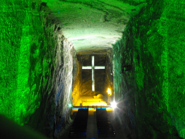 cathedrale-sel-zipaquira2010-1.JPG