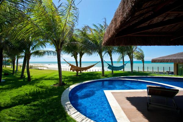 bre-fortaleza-carmel-charme-resort-2-piscine.jpg
