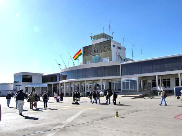 aeropuerto5c33bd495b74d975d9861e1ddaaf7786.jpg