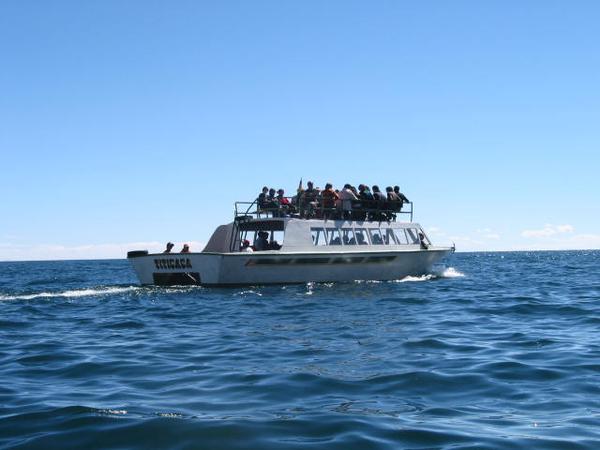 bol-titicaca-bateau (3)34dce75a7b0bdd7100c109606cf4a8e7.jpg