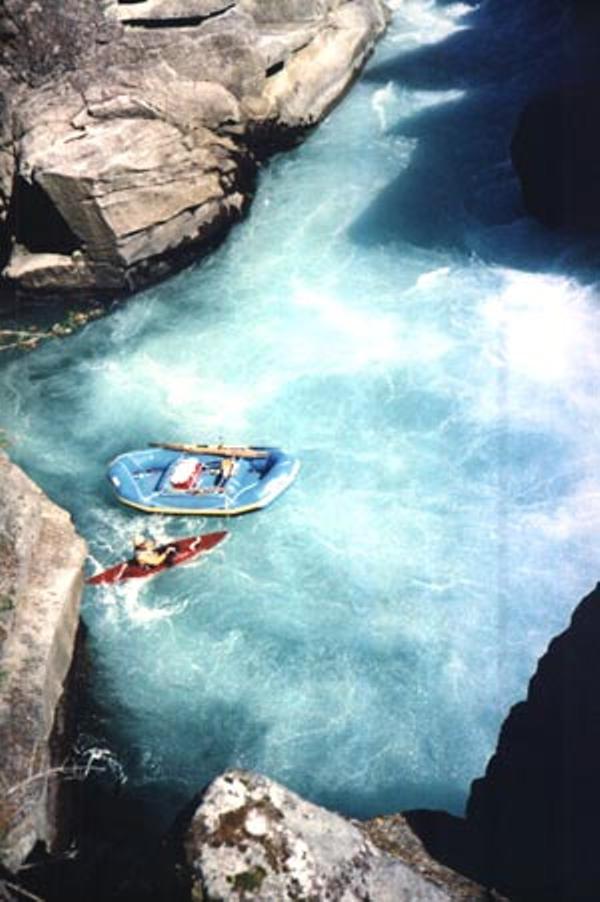 bol-yungas-raft canyoning (5).jpg