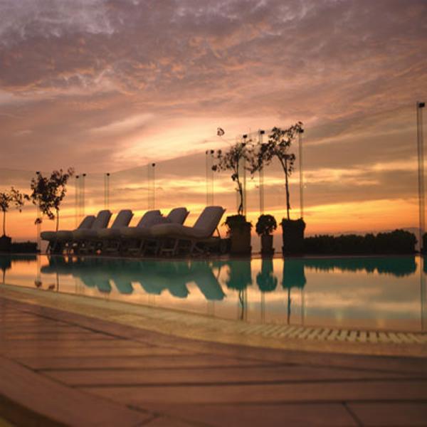 perou-lima-hotel-miraflores-park-piscine.jpg