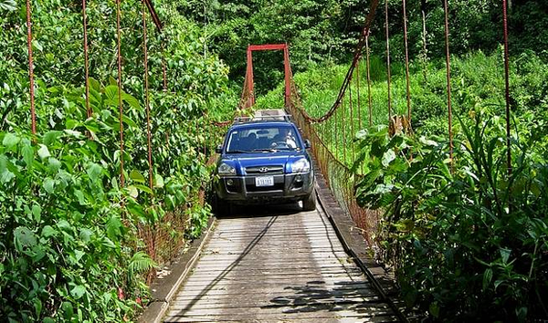 hanging-bridge-arenal-costa-rica