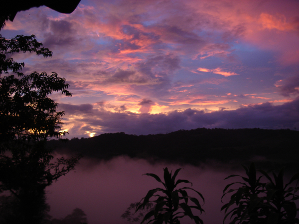 costa_rican_sunset.JPG