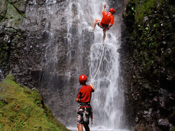 canyoning-arenal4x3.jpg