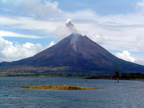 Volcan et lac Arenal