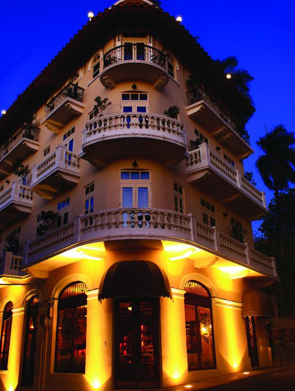 facade-hotel-las-clementinas.jpg