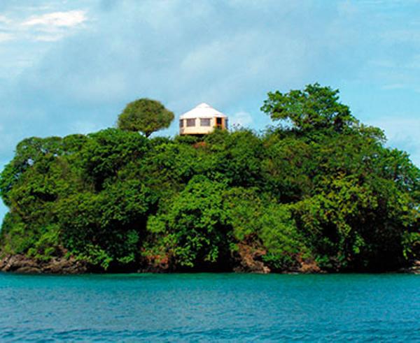 panama-islas-secas-lodge-plage-vue2.jpg