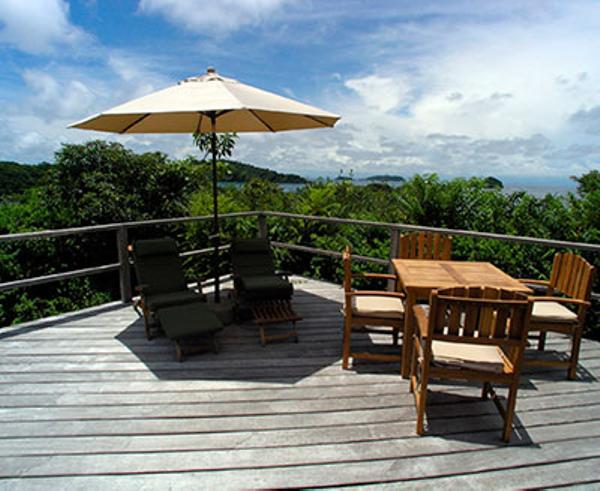 panama-islas-secas-lodge-terrasse.jpg