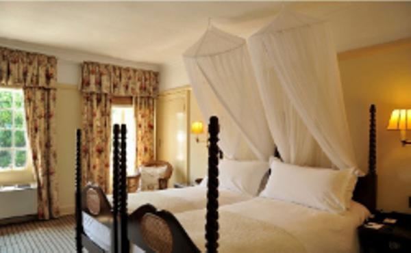 Chambre standard au Victoria Falls Hotel.