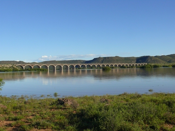 w158417_16442_hennie-steyn-bridge_hennie-steyn-bridge-from-the-bethulie-side.jpg