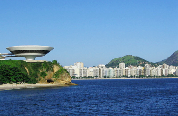 Museum%20of%20Contemporary%20Art%20in%20Niteroi,%20Rio
