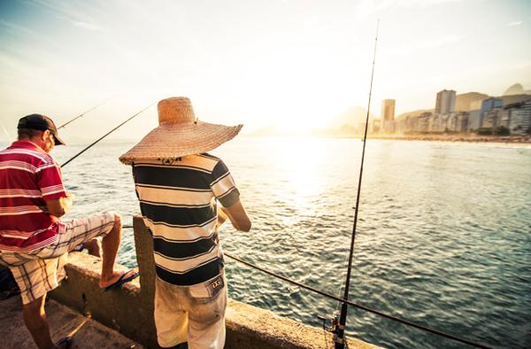 Pêcher à la plage de Copacabana, Rio