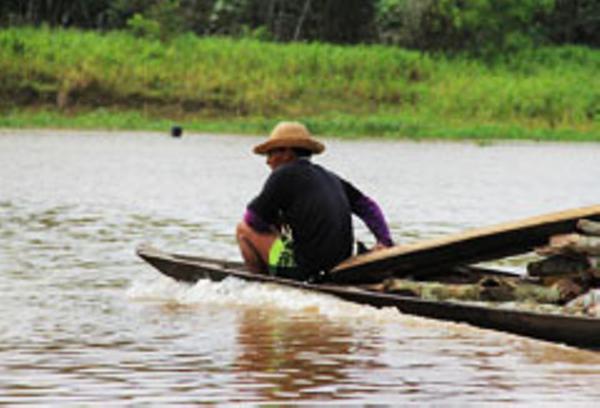 amazonie-bateau-transport.JPG