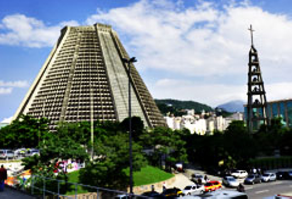 rio-centre-cathedrale-metropolitaine-3.JPG