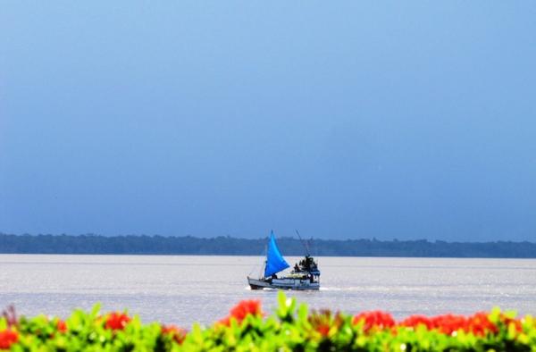 Boat at sea, Belem