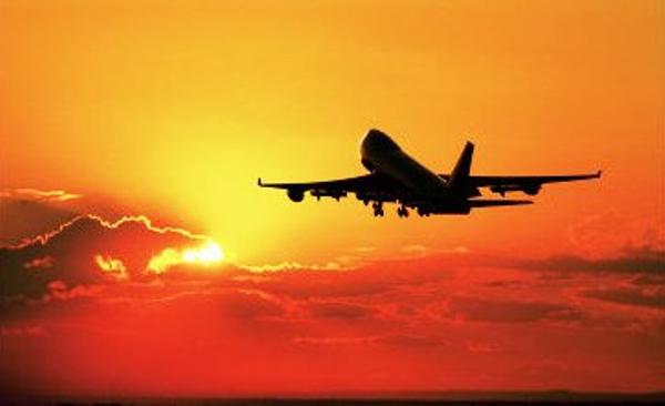 avion-decollage8398e48ab253d64650df638333d7194d.jpg
