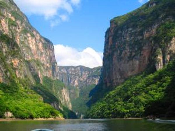 canyon-du-sumidero-chiapas-mexique-2aa4755a1030f98b1b9a97d7d5cdaaf26.jpg
