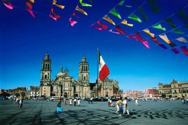 zocalo-mexico-mexique-2.jpg