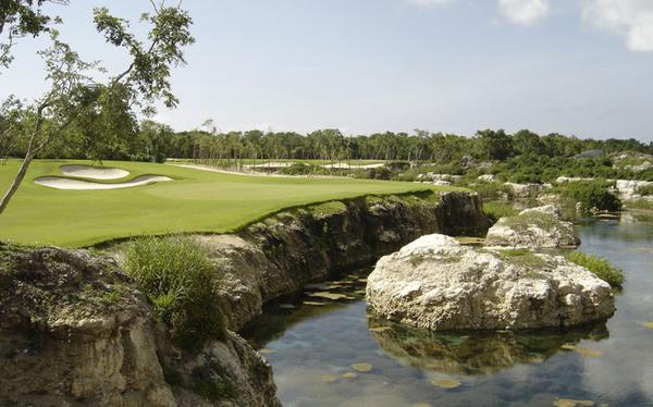 maya_gallery_golf_1.jpg