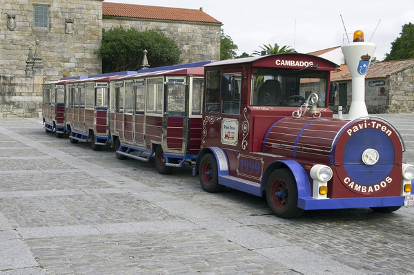 tourist-train-938568_1920.jpg