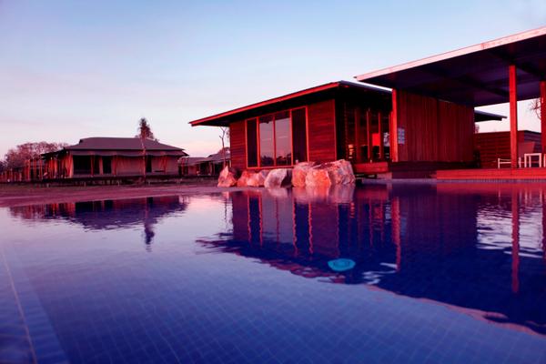 pool-lodge20large.jpg